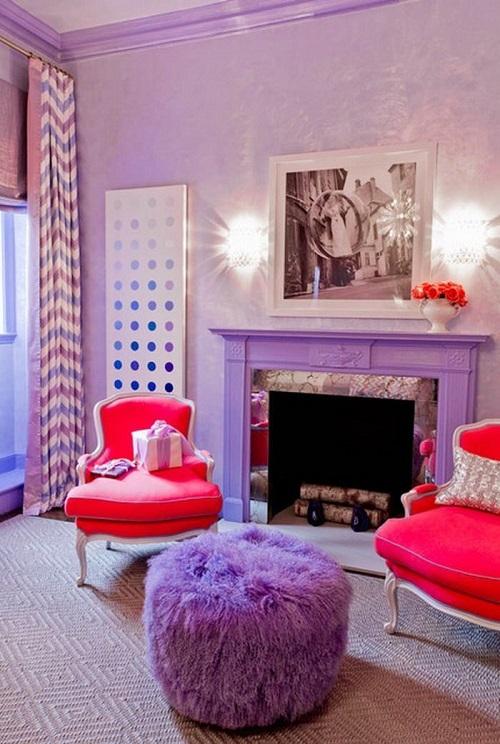 Гостиная в красных и сиреневых цветах