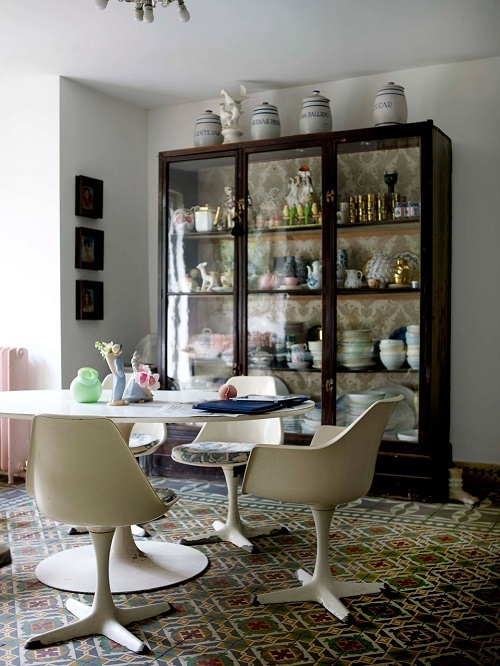 Орнаментальный пол столовой