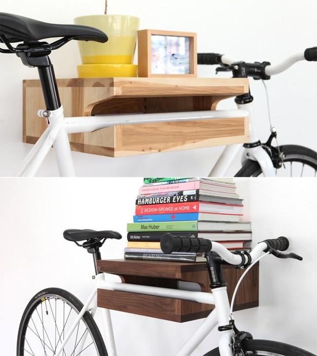 Держатель для велосипеда из книжной полки
