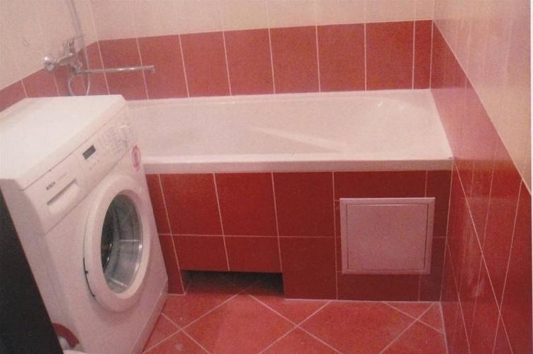 Подрезка плитки в ванной