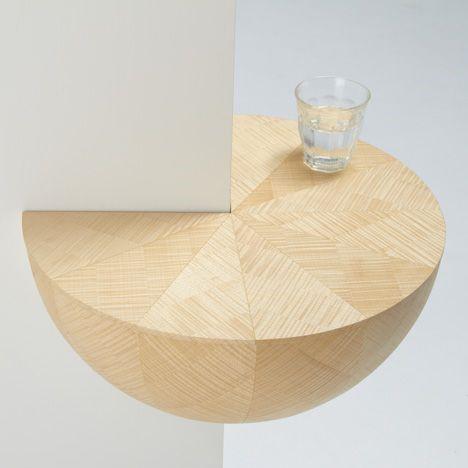 Декоративный столик для угла