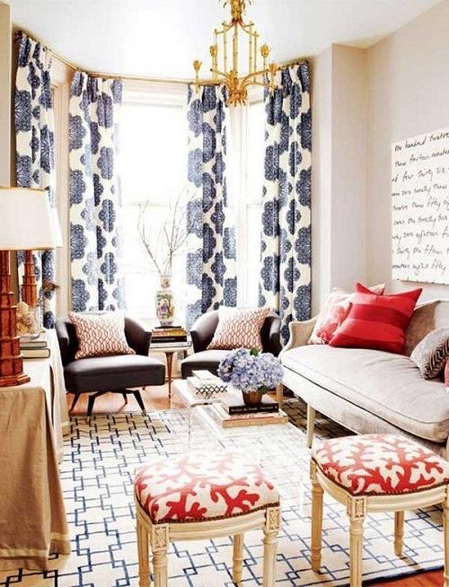 Гостиная с разнообразными текстильными рисунками