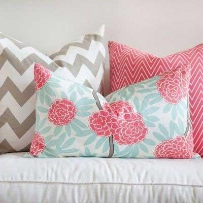 Подушки пастельных цветов