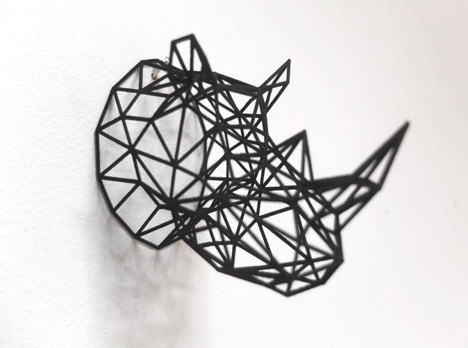 Голова носорога для украшения интерьера напечатанная на 3д принтере