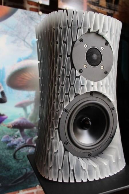 Элементы звуковой колонки, напечатанные на 3д принтере