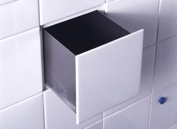 Скрытая в стене коробка для туалетной бумаги