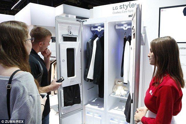 Шкаф для одежды в стиле Хай Тек