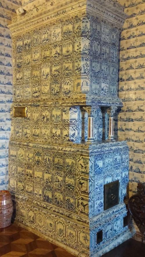 Печь в Варвариных Покоях, Дворец Меншикова