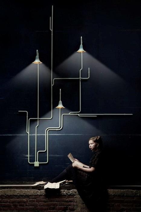 Темный дизайнерский интерьер