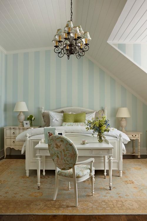 Туалетный столик в интерьере спальни в стиле прованс
