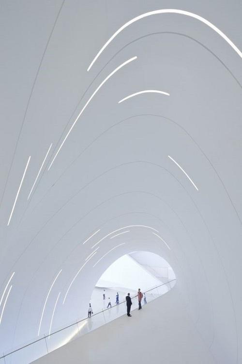 Проект общественного интерьера архитектора Заха Хадид