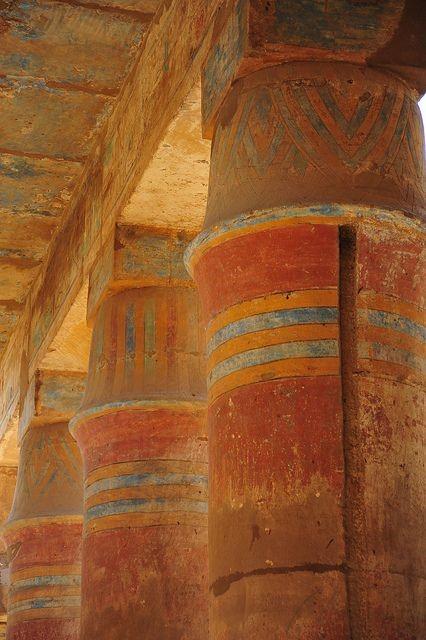 Архитектура Древнего Египта - колонны и их цветовая палитра