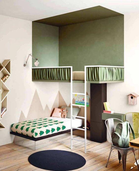 Двухуровневая кровать для детской комнаты с цветовым зонированием