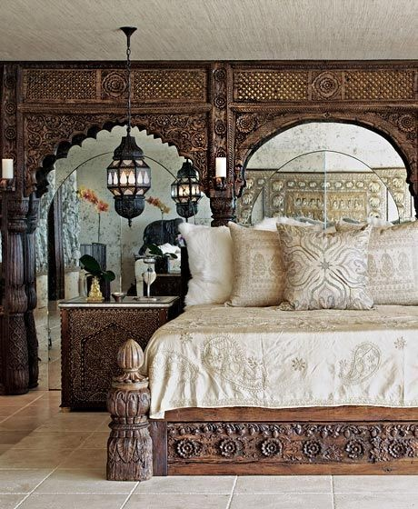 Интерьер спальни певицы Шер от дизайнера Мартина Лоуренса Буллада (Martin Lawrence Bullard)