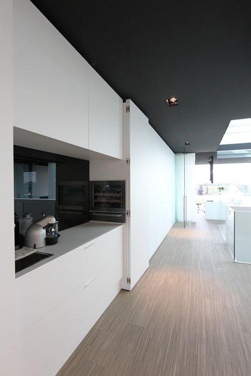 Современная кухня в стиле хайтек и минимализм
