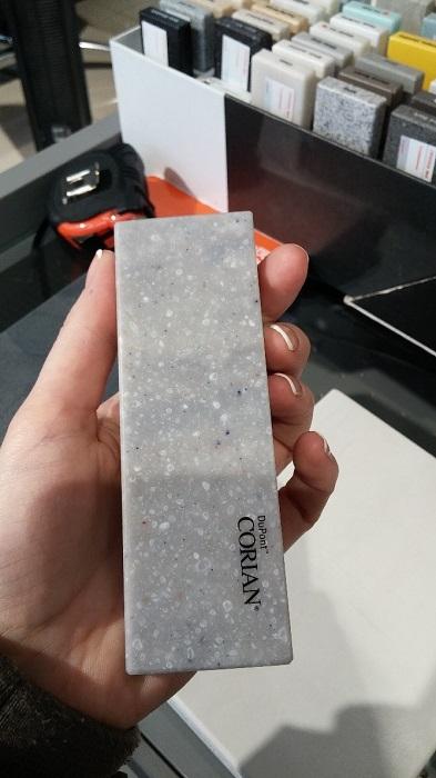 Образец искусственного камня для столешниц DuPont
