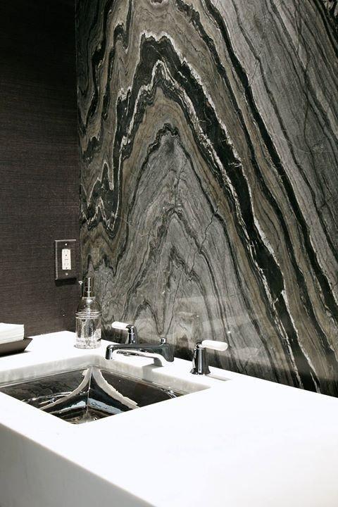Природный камень в интерьере ванной комнаты