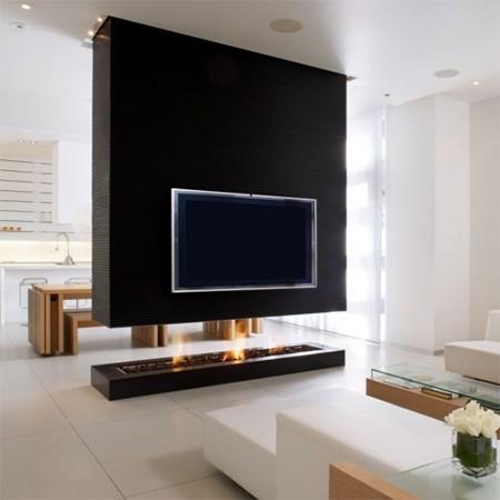 Телевизор встроенный в камин
