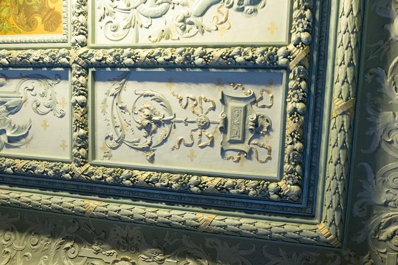 Потолок в классическом стиле в особняке Смирнова