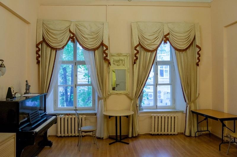 Одна из комнат в особняке Толстого