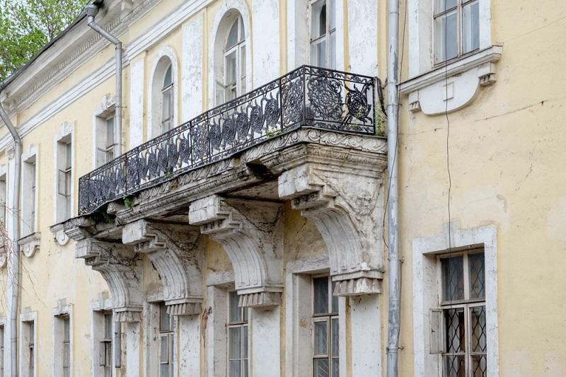 Балкон в классическом стиле