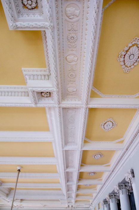 Лепной декор потолка
