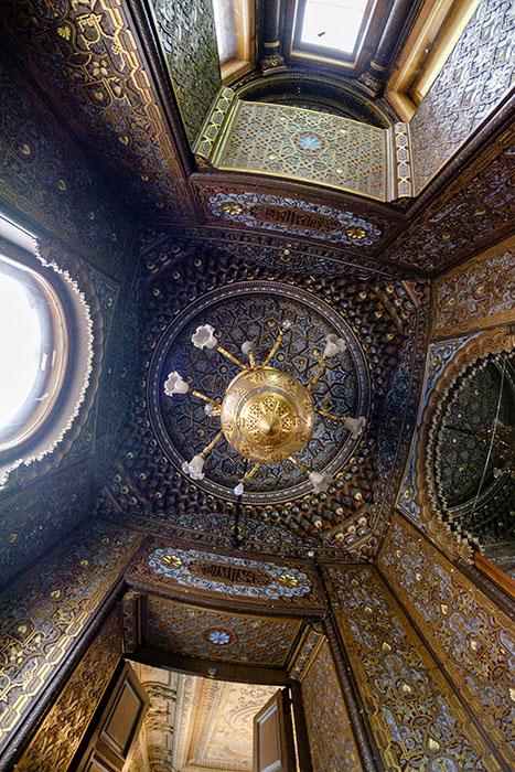 Кальянная комната в мавританском стиле