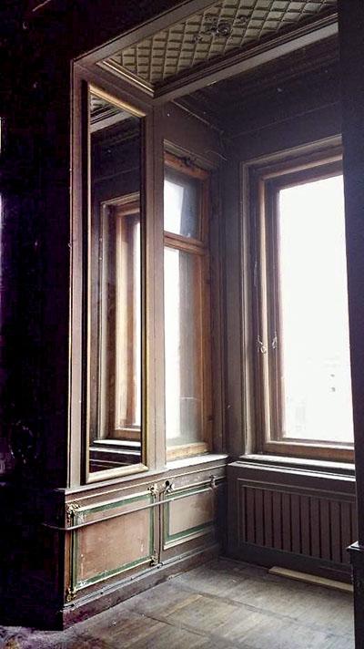 Визуальное расширение проема за счет зеркал