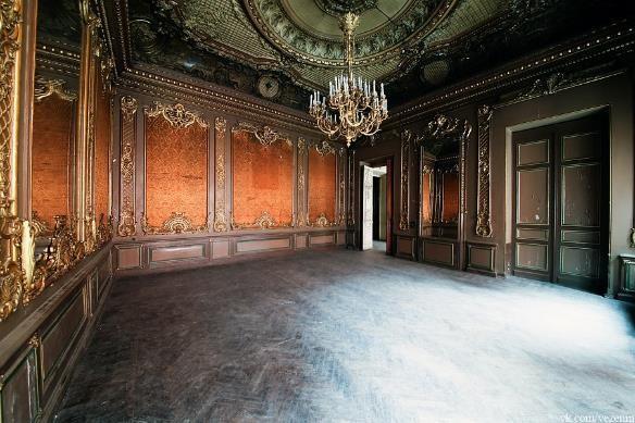 Гостиная в особняке Брусницыных