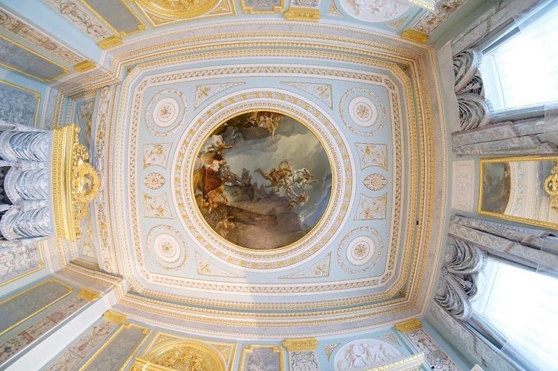 Потолок парадной спальни
