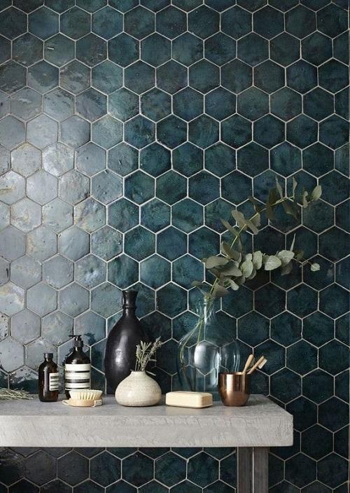 Шестиугольная керамическая плитка в интерьере