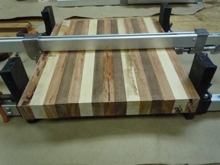 Пример мебельного щита из одинаковых ламелей
