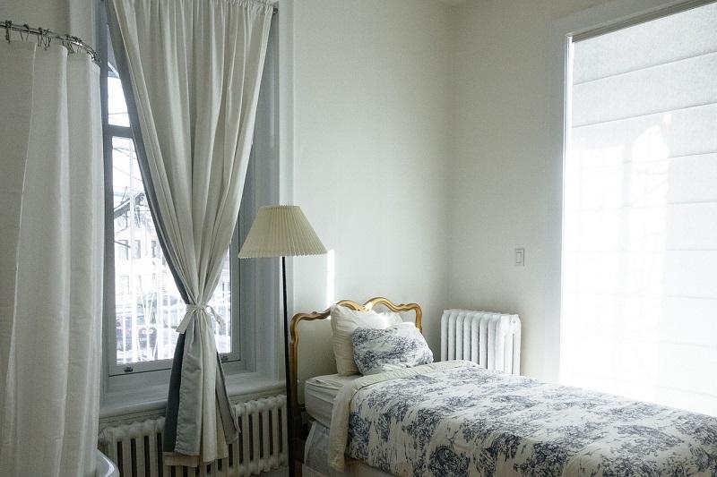 Естественный свет в спальне