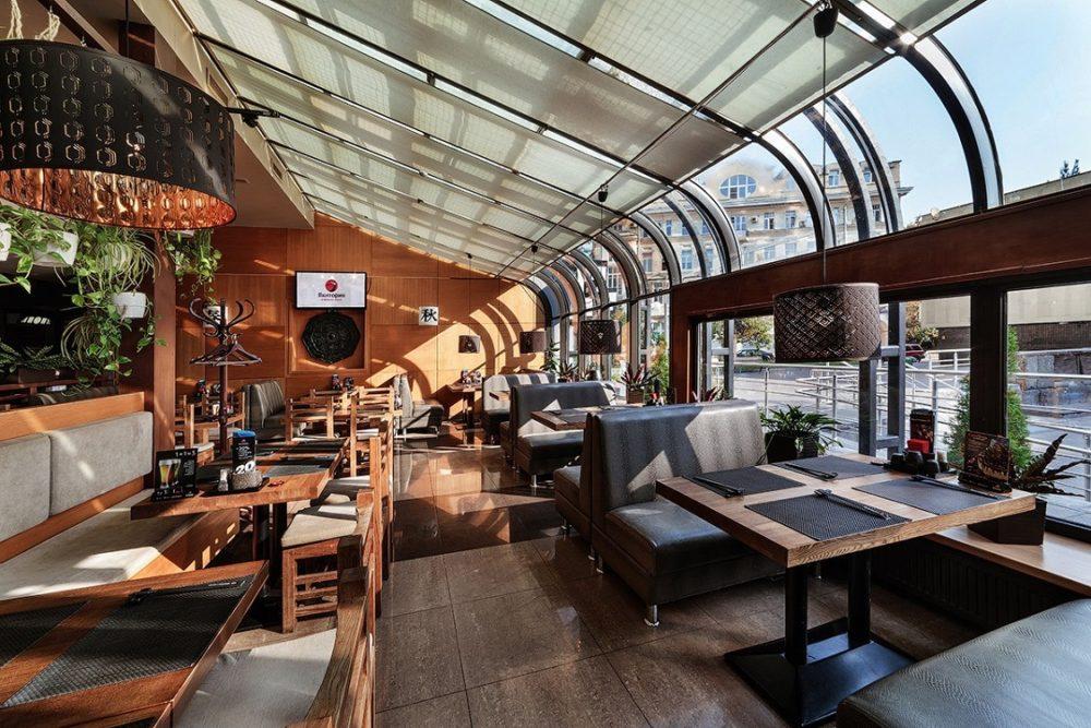 Интерьер ресторана в восточном стиле