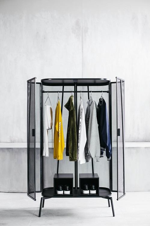Вешалка для одежды от дизайнера Криса Стэмпа